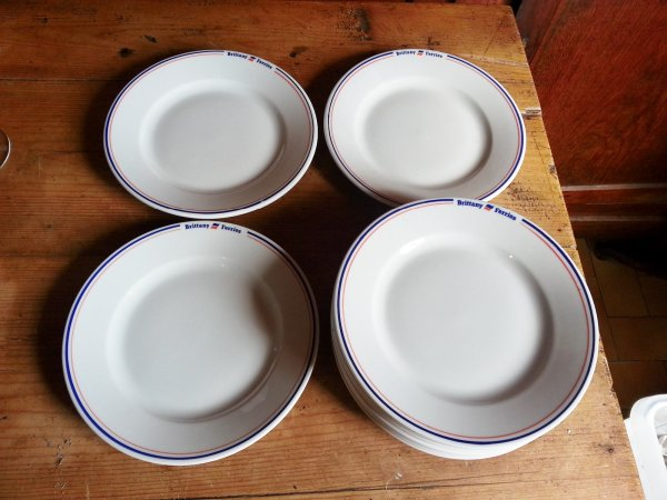 Lot 10 assiettes a dessert / Brittany Ferries / n°8052